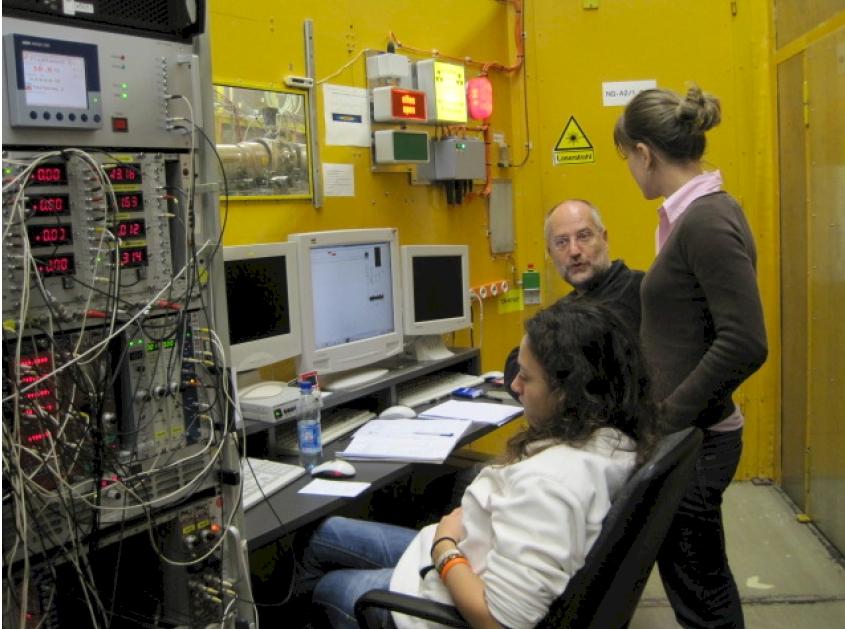 Esperimenti SAXS al sincrotrone di Amburgo (D)